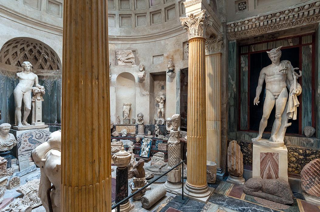Esedra dei Marmi classici, un piccolo Pantheon voluto da Pogliaghi