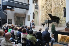Chiara Nicora introduce il concerto
