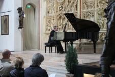 Luca Trabucco al pianoforte